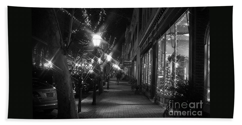 Christmas Bath Sheet featuring the photograph It's Christmas Time In The City by Living Color Photography Lorraine Lynch