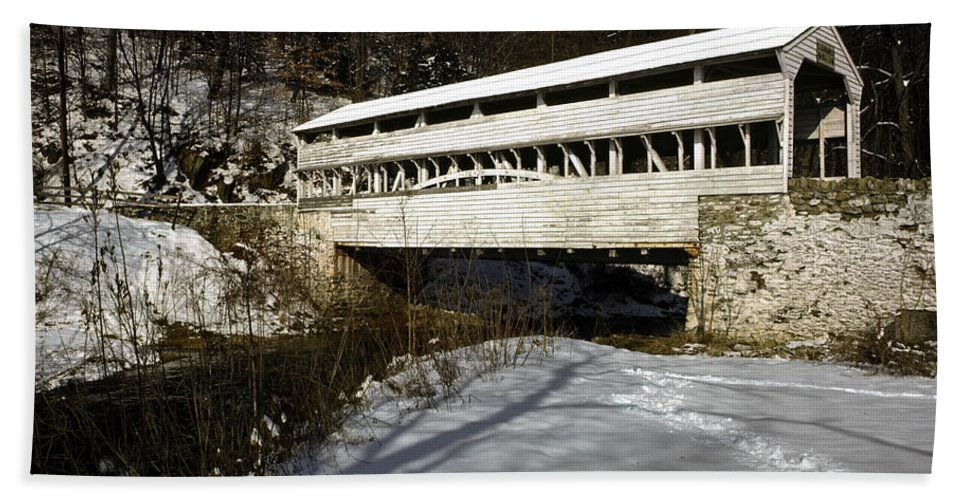 Knox Covered Bridge Hand Towel featuring the photograph Knox Covered Bridge by Sally Weigand