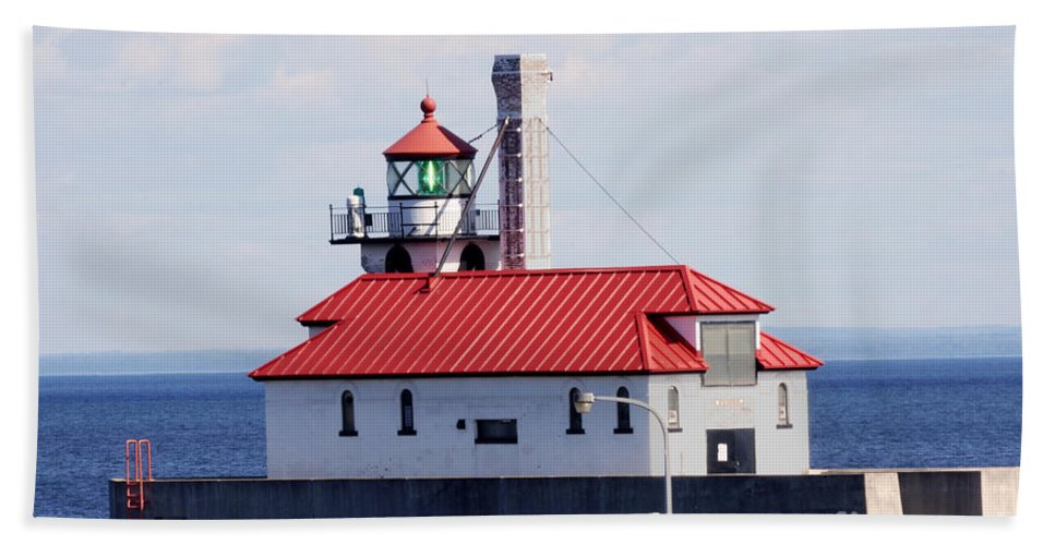 Lighthouse Bath Sheet featuring the photograph Lighthouse by Lori Tordsen