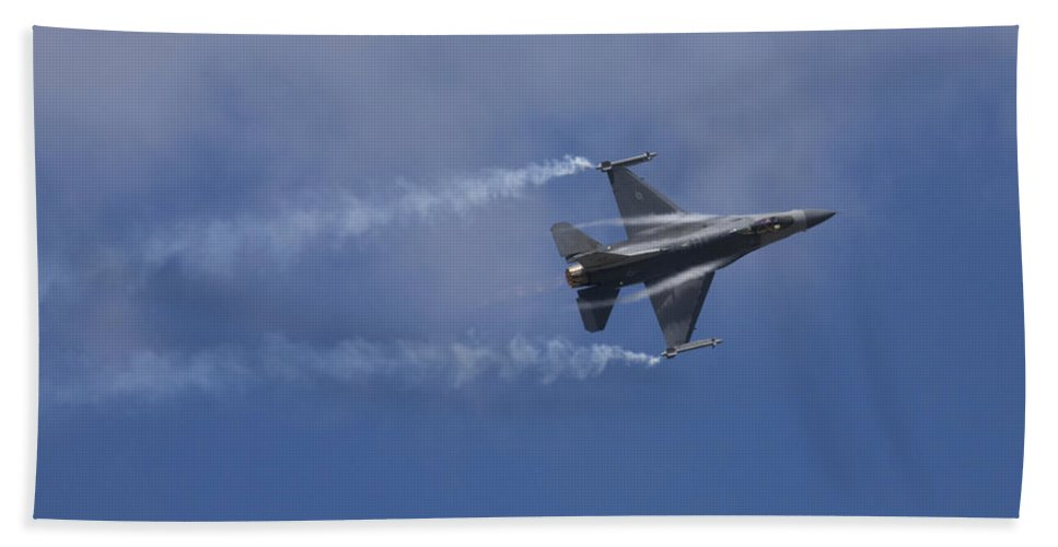 Plane Bath Sheet featuring the photograph Lockheed Martin F-16 Fighting Hornet by Ian Middleton