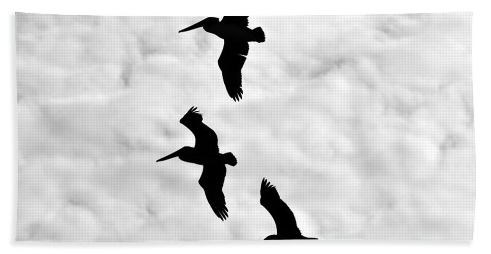 Fine Art Photography Bath Sheet featuring the photograph Pelicans On The Wing by David Lee Thompson