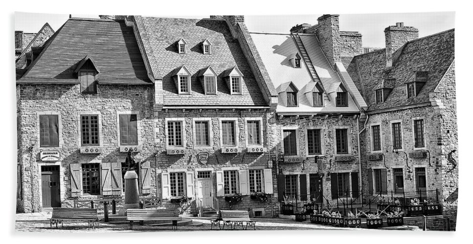 B&w Hand Towel featuring the photograph Place Royale by Eunice Gibb