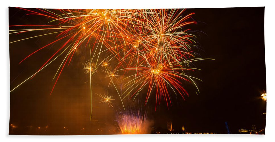 Dawn Oconnor Dawnoconnorphotos@gmail.com Hand Towel featuring the photograph River Thames Fireworks by Dawn OConnor