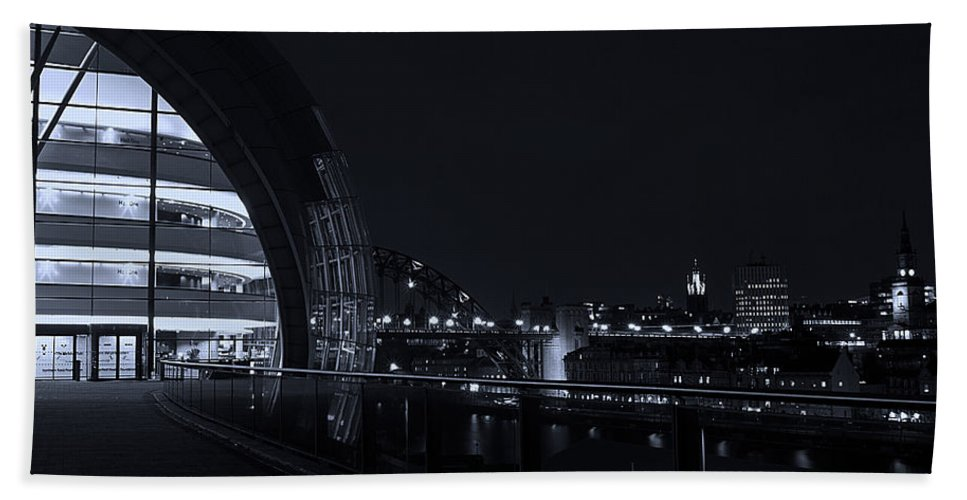 Sage Hand Towel featuring the photograph Sage Gateshead At Night by David Pringle