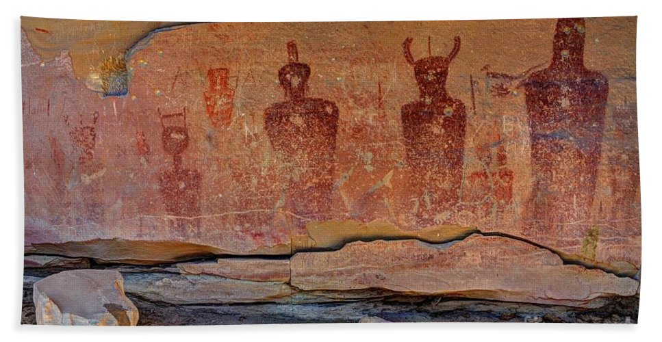 Sego Hand Towel featuring the photograph Sego Canyon Indian Petroglyphs And Pictographs by Gary Whitton