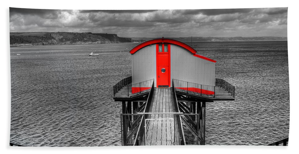 Tenby Lifeboat House Bath Sheet featuring the photograph Tenby Lifeboat House Colour Pop by Steve Purnell