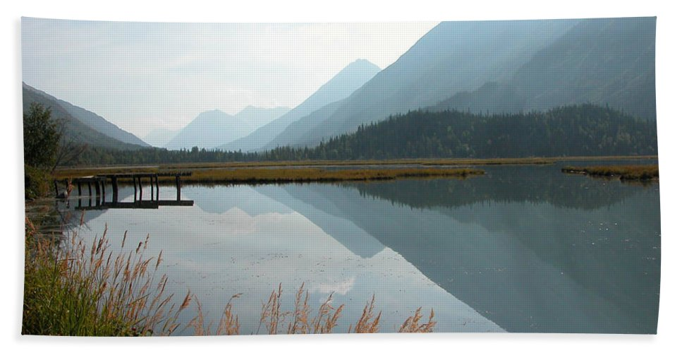 Tern Lake Bath Sheet featuring the photograph Tern Lake by Peggy Starks