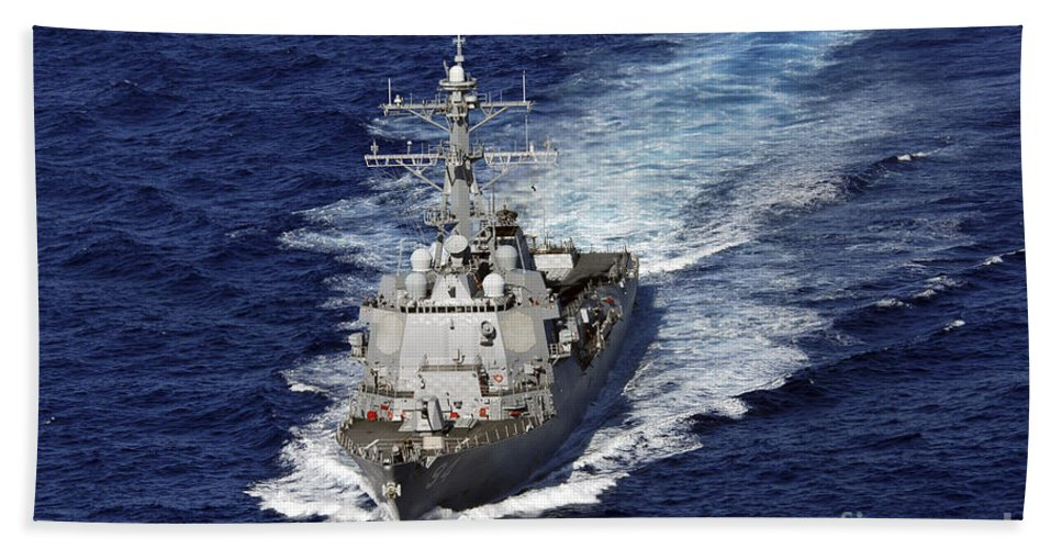 Us Navy Hand Towel featuring the photograph The Guided Missile Destroyer Uss Nitze by Stocktrek Images