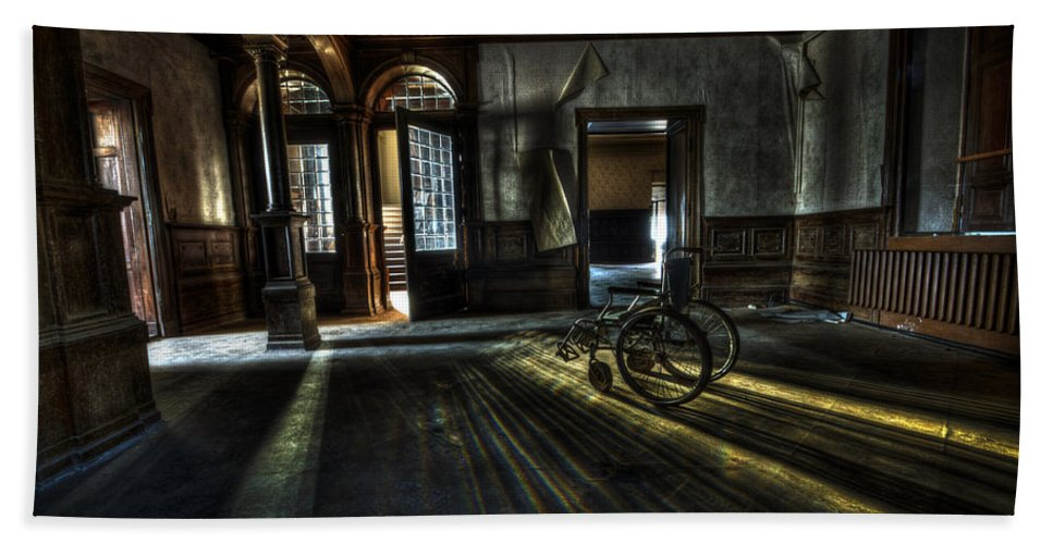 Abandon Bath Sheet featuring the photograph The Home by Nathan Wright