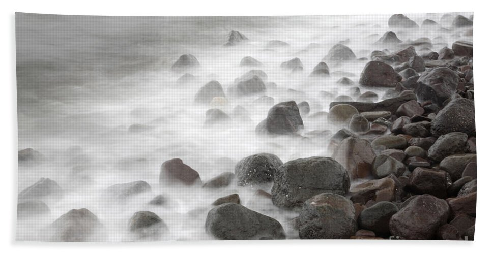 Rock Hand Towel featuring the photograph Waves Hitting The Shore by Ted Kinsman