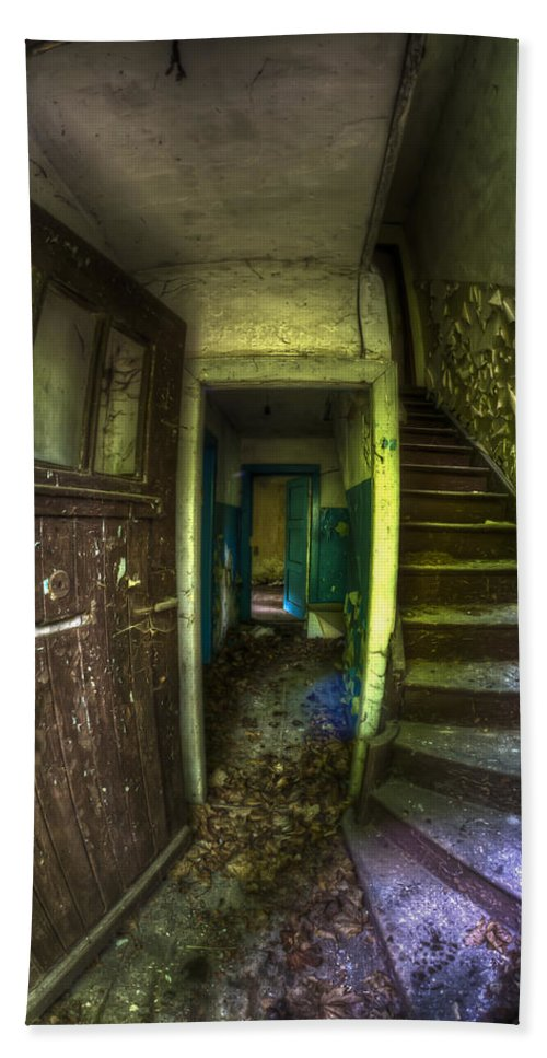 Abandoned Hand Towel featuring the photograph Welcome by Nathan Wright