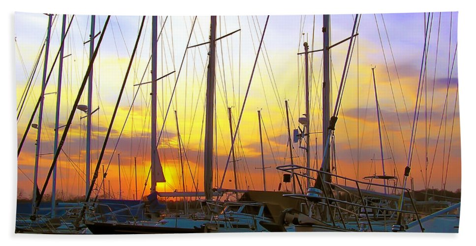 2d Hand Towel featuring the photograph White Rocks Marina Sunset by Brian Wallace