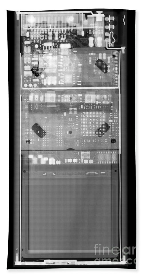 X-ray Hand Towel featuring the photograph X-ray Of An Ipod by Ted Kinsman