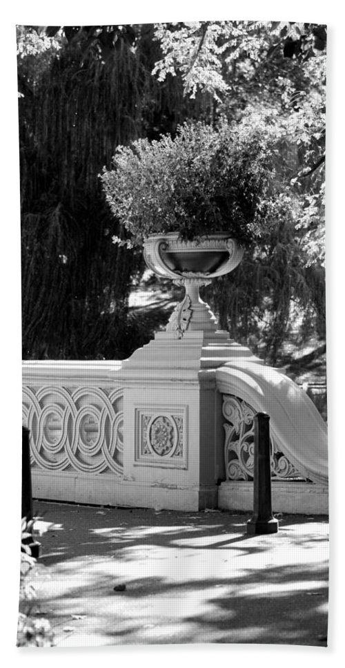 Central Park Hand Towel featuring the photograph BOW BRIDGE in BLACK AND WHITE by Rob Hans