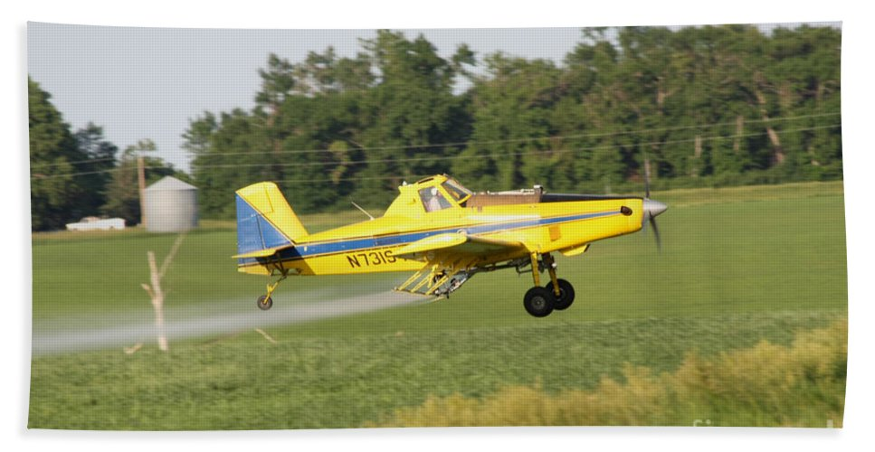 Plane Bath Sheet featuring the photograph Airplane by Lori Tordsen