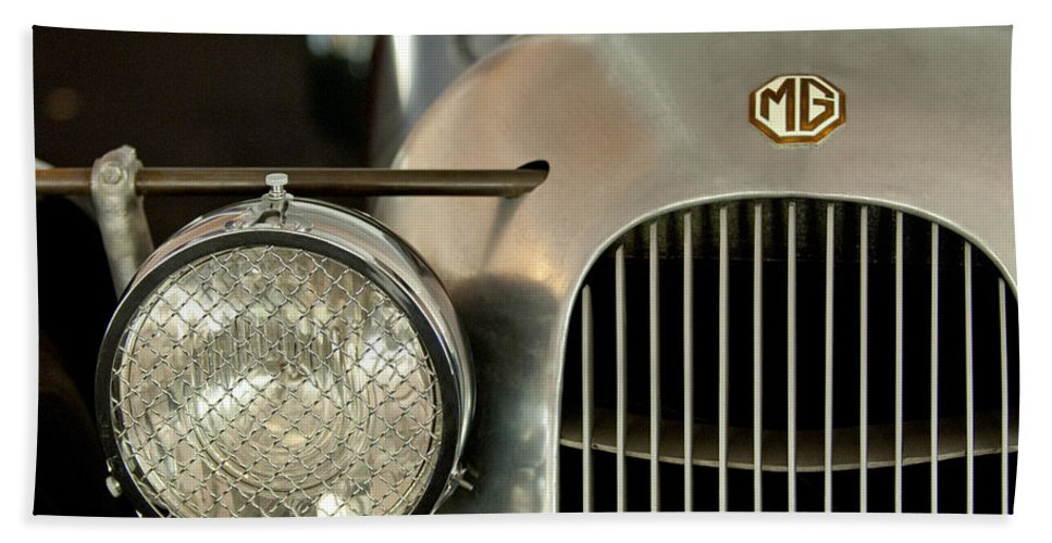 1934 Mg Pa Midget Supercharged Special Speedster Hand Towel featuring the photograph 1934 Mg Pa Midget Supercharged Special Speedster Grille by Jill Reger