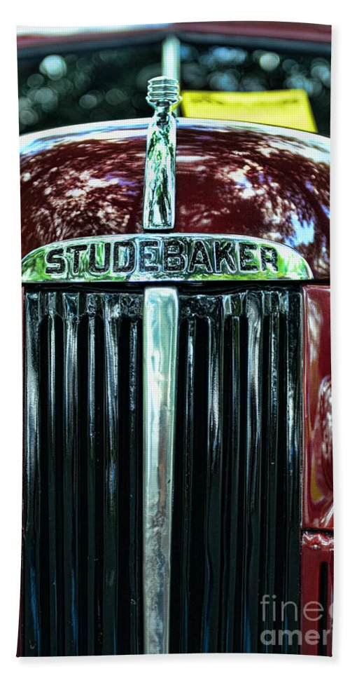 1947 Studebaker Grill Hand Towel featuring the photograph 1947 Studebaker Grill by Paul Ward