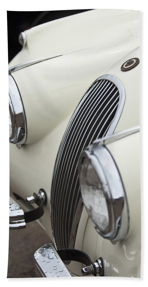 1954 Jaguar Xk120 Roadster Bath Sheet featuring the photograph 1954 Jaguar Xk120 Roadster Grille by Jill Reger