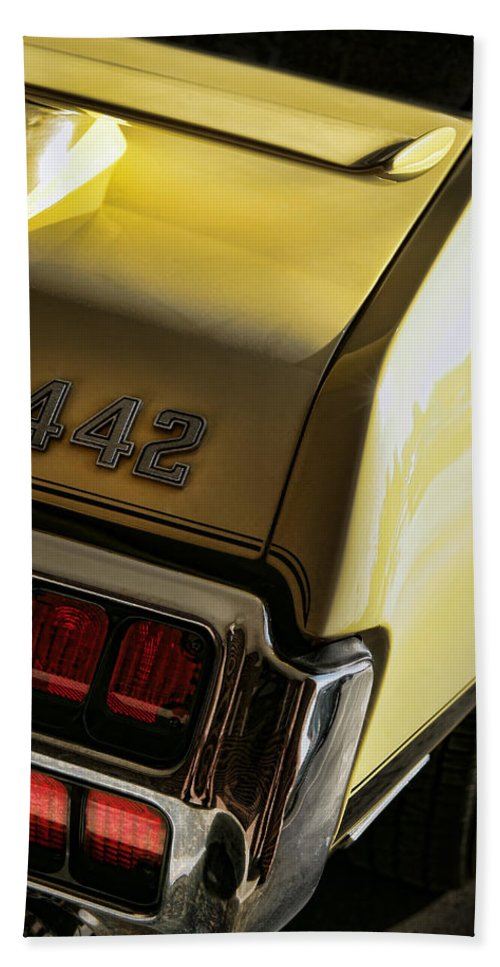 Oldsmobile Bath Sheet featuring the photograph 1972 Oldsmobile 442 by Gordon Dean II