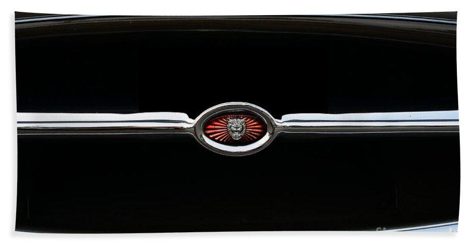 1973 Jaguar E Type 4.2 Bath Sheet featuring the photograph 1973 Jaguar Type E Emblem by Paul Ward