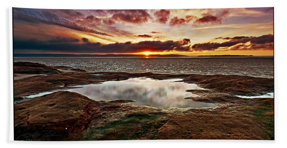 Seascape Bath Sheet featuring the photograph Red Rock Beach by Beverly Cash