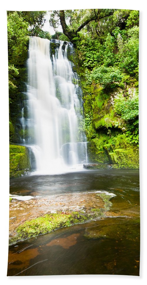 Brook Bath Sheet featuring the photograph Mclean Falls In The Catlins by U Schade