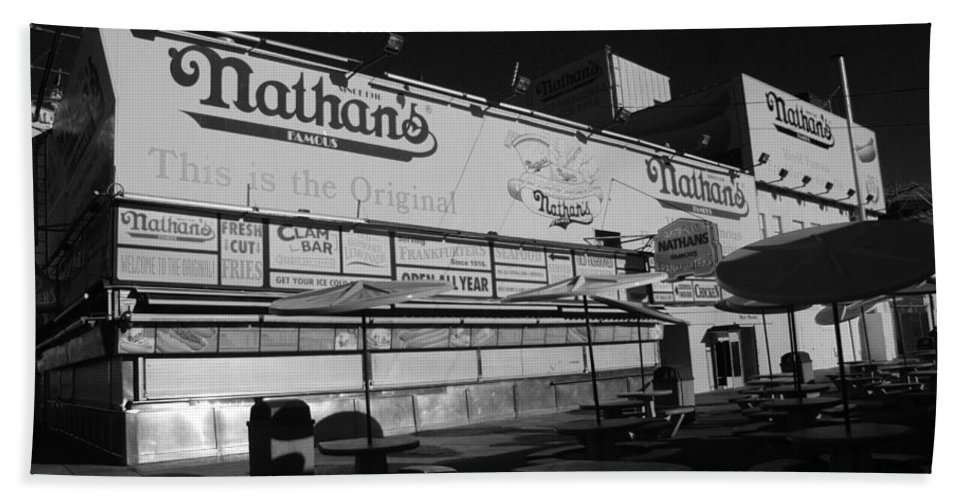 Brooklyn Bath Sheet featuring the photograph Nathan's Famous In Black And White by Rob Hans