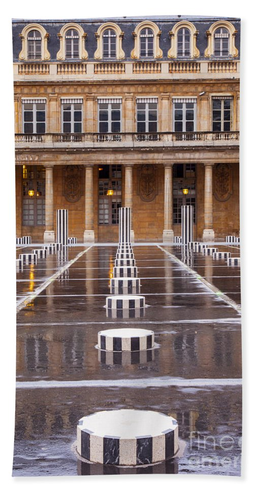 Columns Hand Towel featuring the photograph Palais Royal by Brian Jannsen