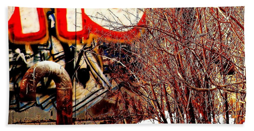 Graffiti Hand Towel featuring the photograph Untitled 2 by Jeff Heimlich