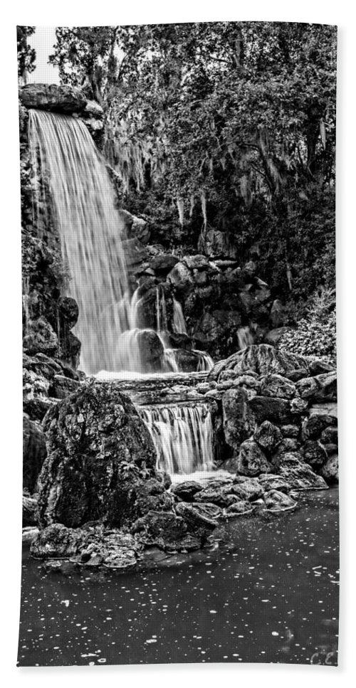 Christopher Holmes Photography Hand Towel featuring the photograph 20120915-dsc09800_bw by Christopher Holmes