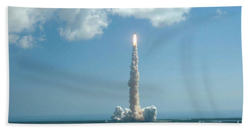 Astronomy Hand Towel featuring the photograph Space Shuttle Discovery by Nasa