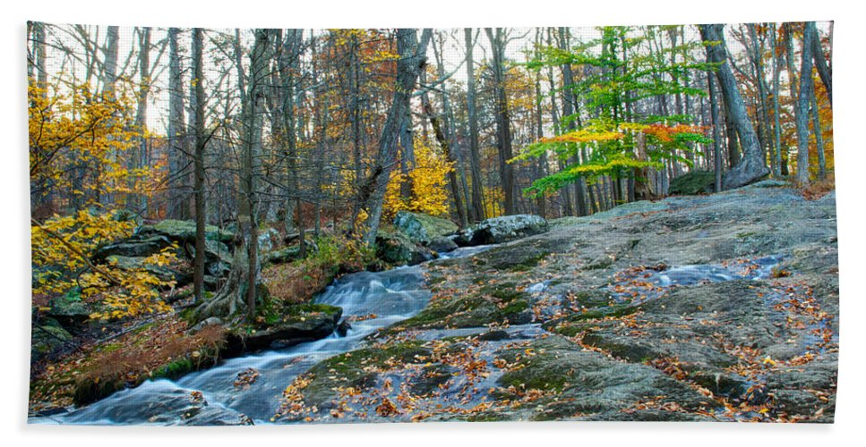 Cunningham Falls Hand Towel featuring the photograph Big Hunting Creek Upstream From Cunningham Falls by Mark Dodd