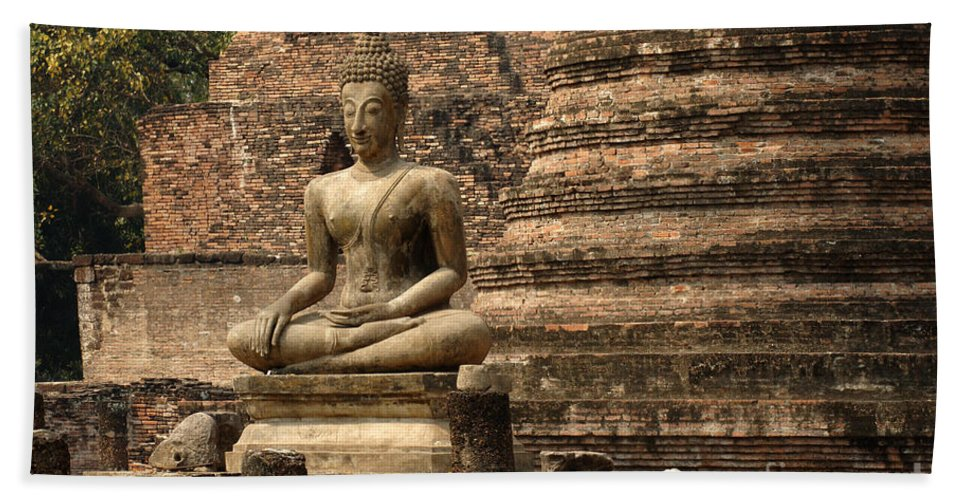 Sukhothai Bath Sheet featuring the photograph Buddha At Sukhothai by Bob Christopher