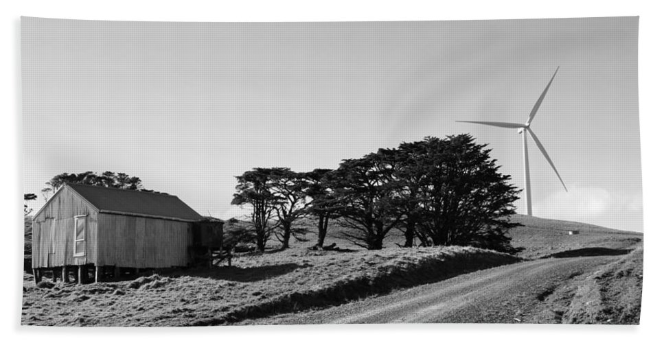 Black And White Bath Sheet featuring the photograph Wind Turbine by Les Cunliffe