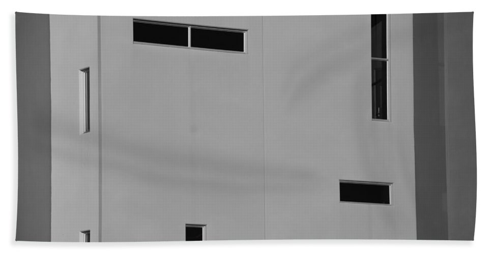 Architecture Bath Sheet featuring the photograph Qw School In Black And White by Rob Hans