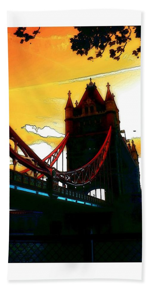 London Tower Bridge United Kingdom Gb Sky Clouds Cloud Bw Black White Bath Sheet featuring the digital art Sunset At Tower Brigde by Steve K