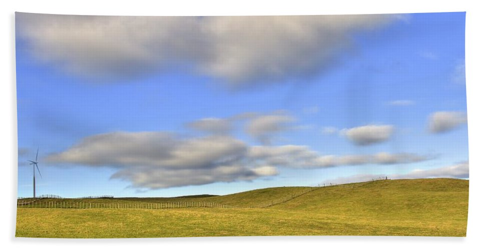 Landscape Bath Sheet featuring the photograph Wind Turbine by Les Cunliffe