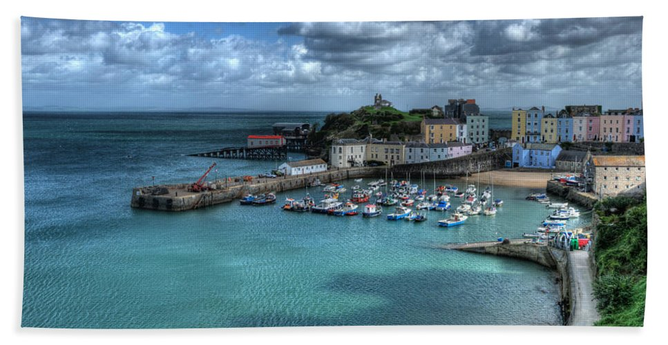 Tenby Harbour Bath Sheet featuring the photograph Tenby Harbour by Steve Purnell