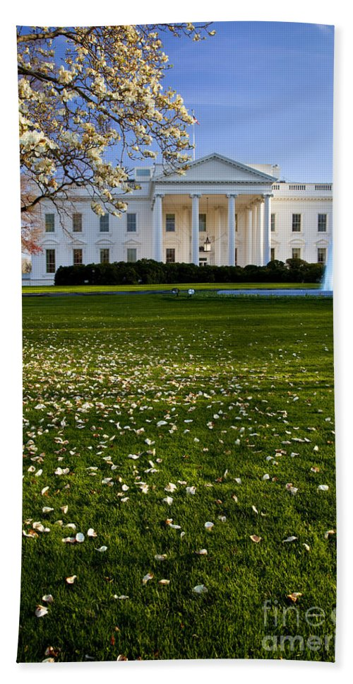 White House Hand Towel featuring the photograph The White House by Brian Jannsen