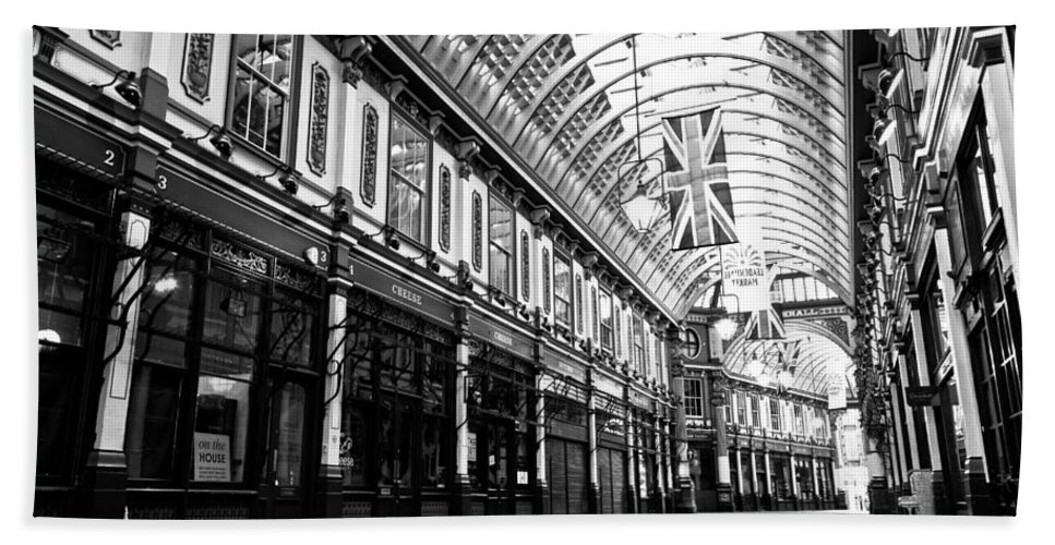 Leadenhall Bath Sheet featuring the photograph Leadenhall Market London by David Pyatt