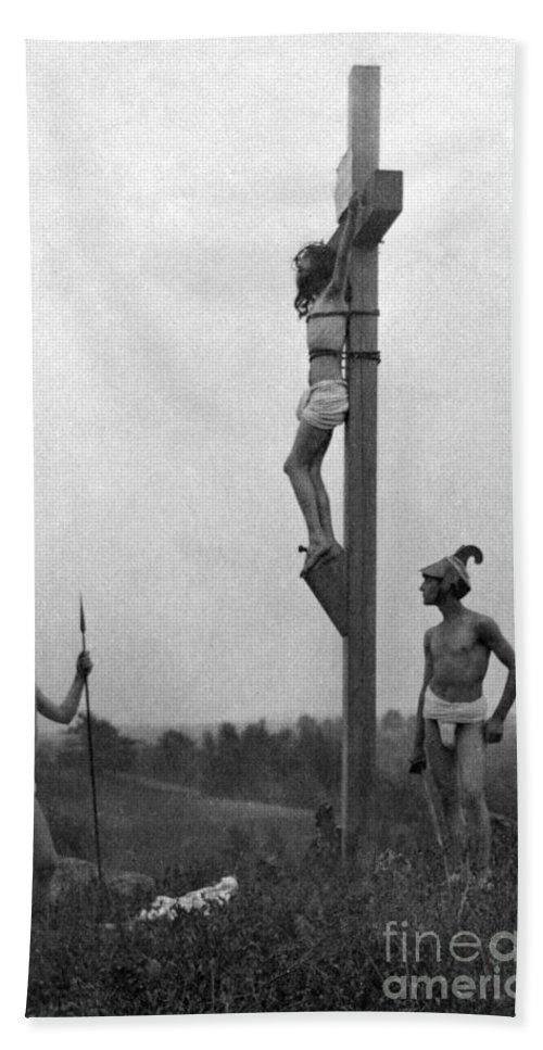 1898 Hand Towel featuring the photograph The Crucifixion by Granger