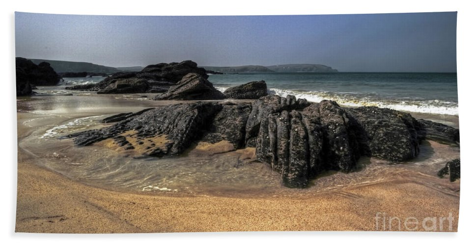 Cornwall Hand Towel featuring the photograph A Cornish Beach by Rob Hawkins