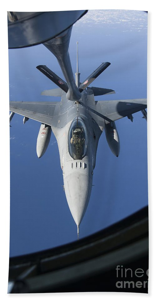 Aim-120 Bath Sheet featuring the photograph A Dutch F-16am Conducts In-flight by Gert Kromhout