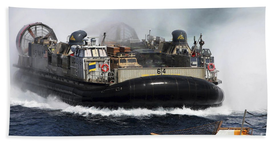 Navy Hand Towel featuring the photograph A Landing Craft Air Cushion Transits by Stocktrek Images