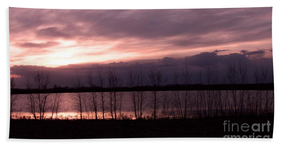 Sunset Hand Towel featuring the photograph A Night Of Pink by Lori Tordsen