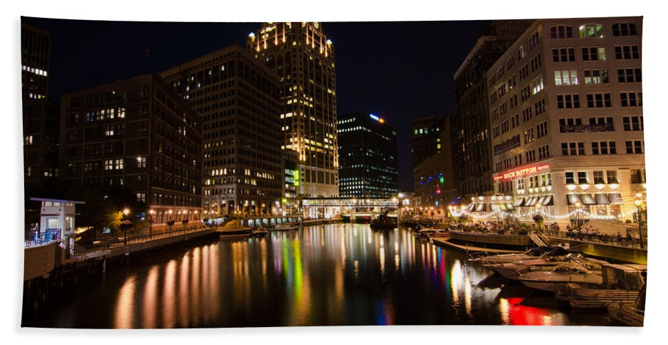 Milwaukee Hand Towel featuring the photograph A Night On The Town by Jonah Anderson