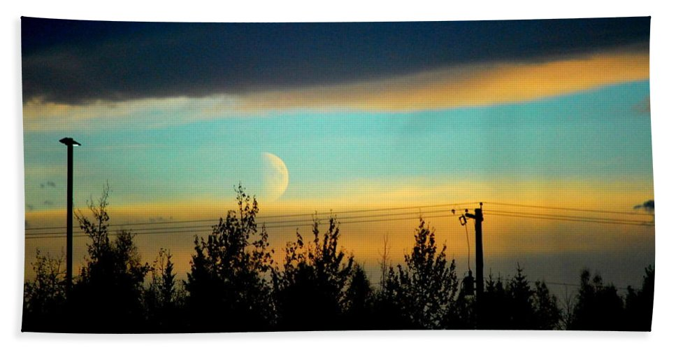 Blue Hand Towel featuring the photograph A Peek At The Moon by Kathy Sampson