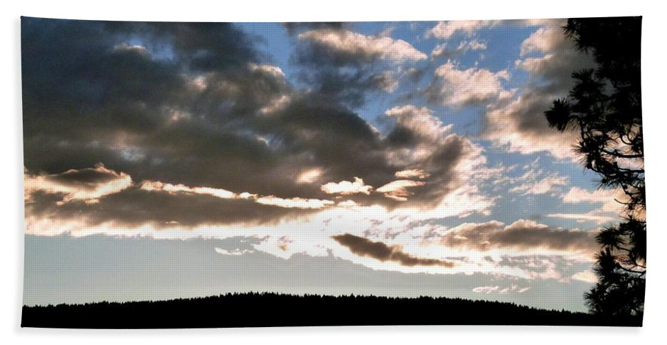 A Radiant Moment Hand Towel featuring the photograph A Radiant Moment by Will Borden