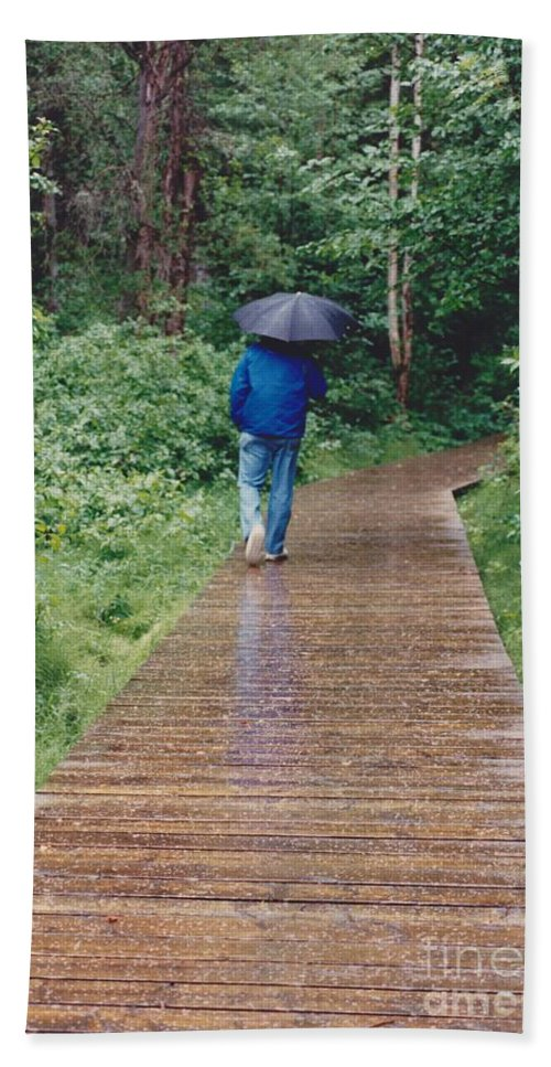 Best Of Show Hand Towel featuring the photograph A Rainey Day In Alaska by Phyllis Kaltenbach