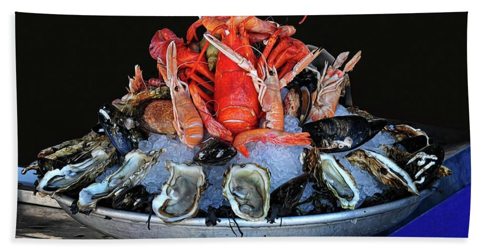 Seafood Bath Sheet featuring the photograph A Seafood Orgy by Dave Mills